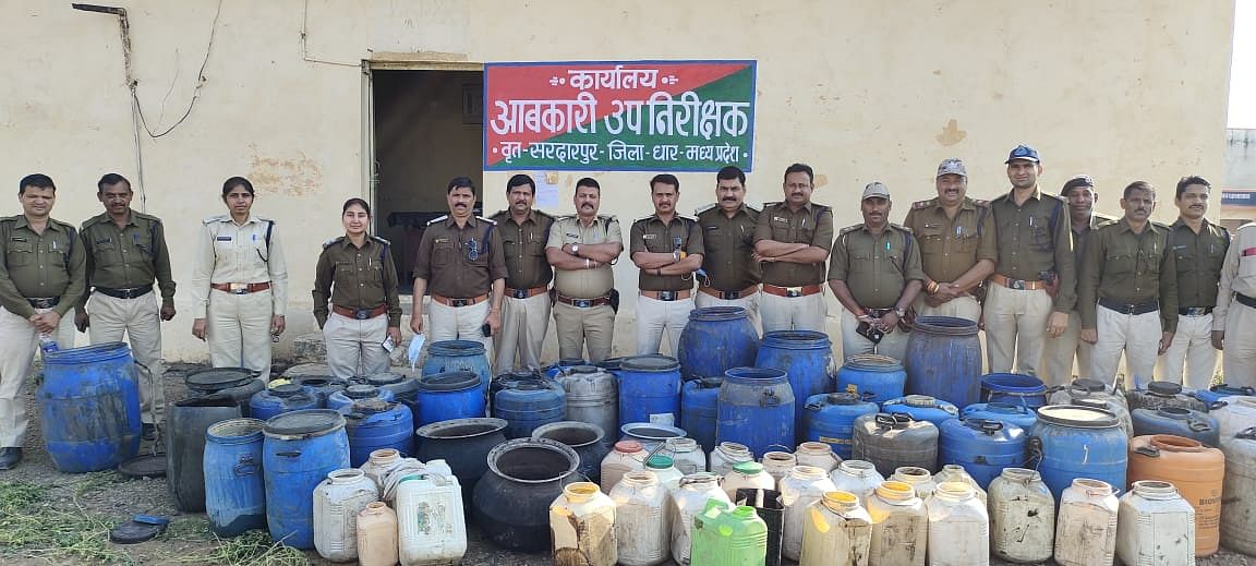Dhar: Excise department team seizes illicit liquor, material worth Rs 3.5 lakh