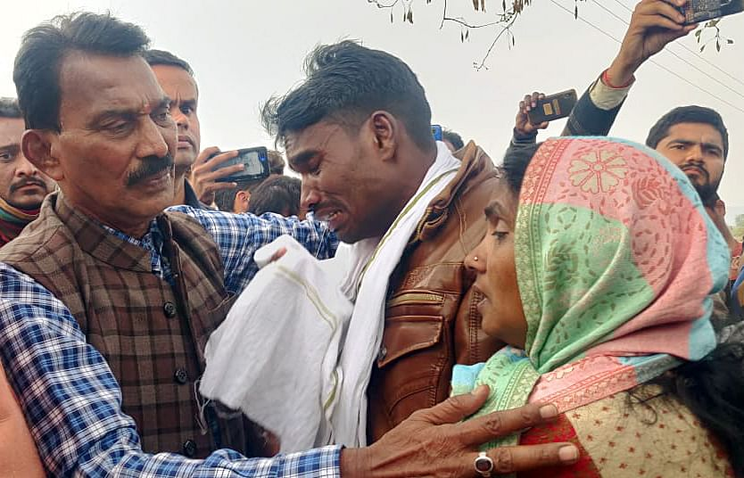 Madhya Pradesh Minister Tulsi Silawat meets families of Sidhi bus accident victims, at the site of the accident.