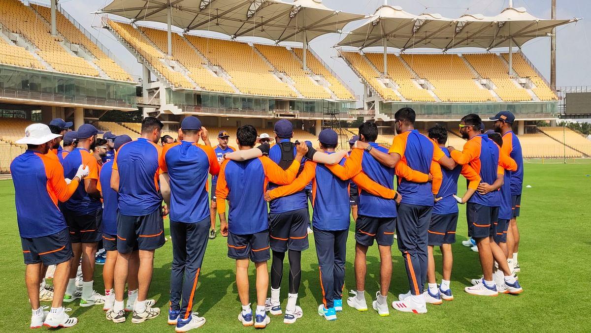 Farmers 'sneak' into Team India dressing room