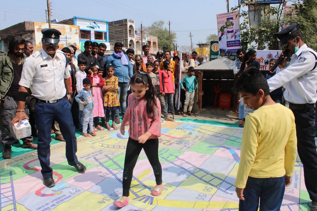Indore: Traffic awareness camp at Betma