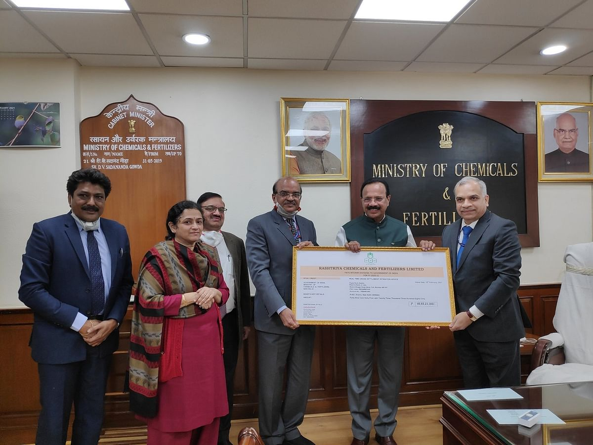 RCF pays dividend to Govt. of India