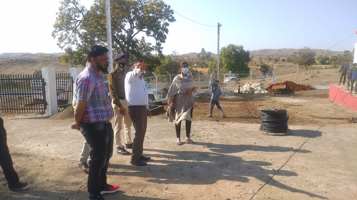 Khargone collector Anugraha P inspecting the grid on Friday