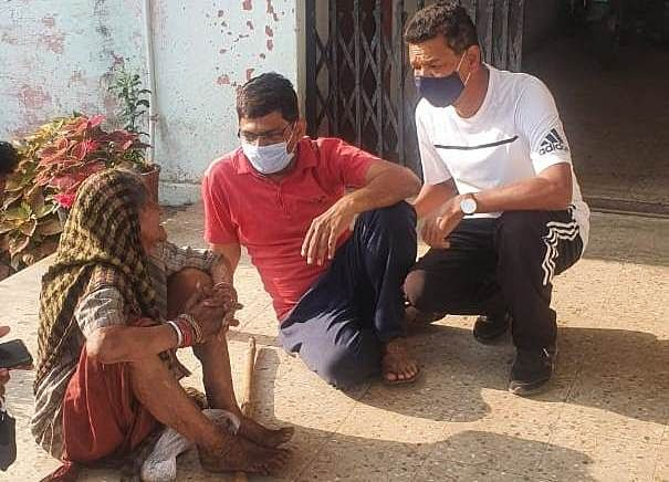 Old destitute who has been rehabilitated in Barwani