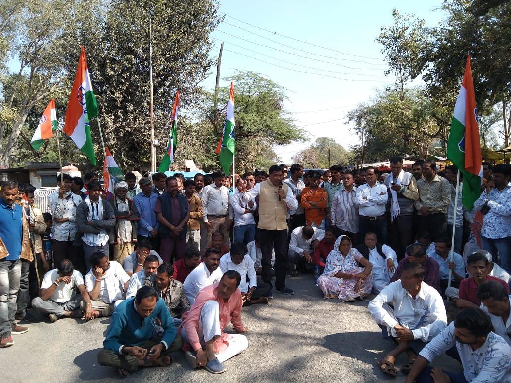 Madhya Pradesh: Chakka jam remains a Congress affair in state