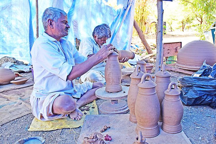 Pokhran potters at work