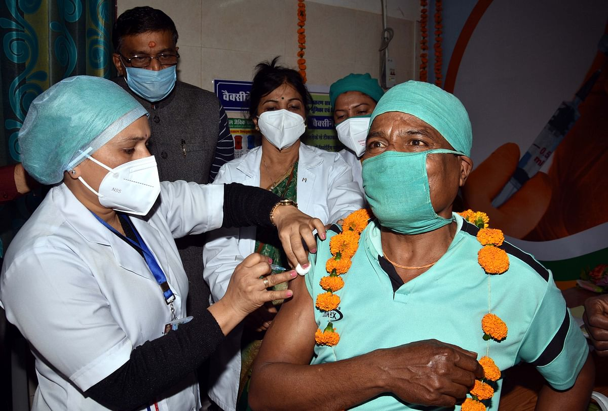 Madhya Pradesh Umaria reports lowest frontline workers' vaccination at 8 per cent, Ratlam reports highest at 80 per cent
