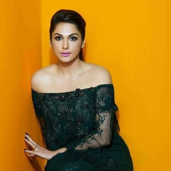 Cinema Journal Exclusive: After almost a decade, Isha Koppikar all set to make a comeback to Hindi films