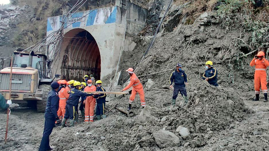 Uttarakhand disaster: Death toll mounts to 31 after five more bodies recovered from debris