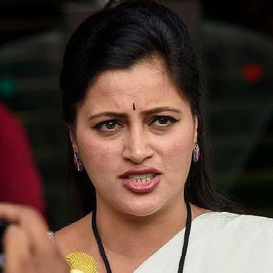 Major setback for Maharashtra MP Navneet Kaur Rana as Bombay HC imposes fine Rs 2 lakh over fake caste certificate