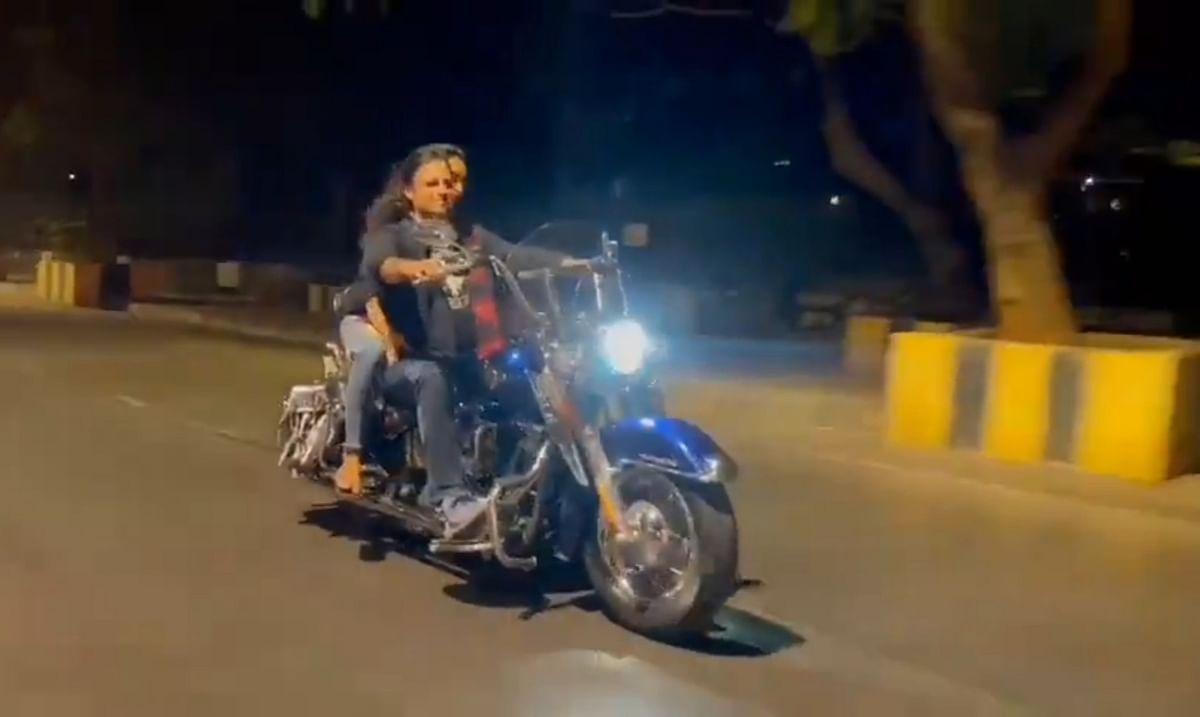 Mumbai: Actor Vivek Oberoi apologises for not wearing helmet, mask