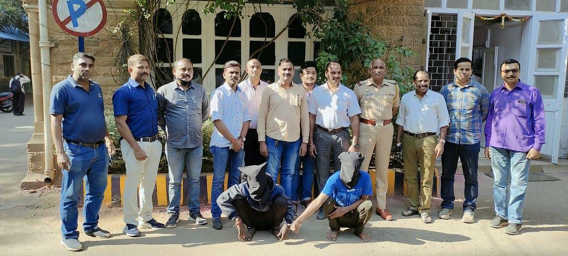 Mumbai: Two history-sheeters held for attacking watchman with screw driver