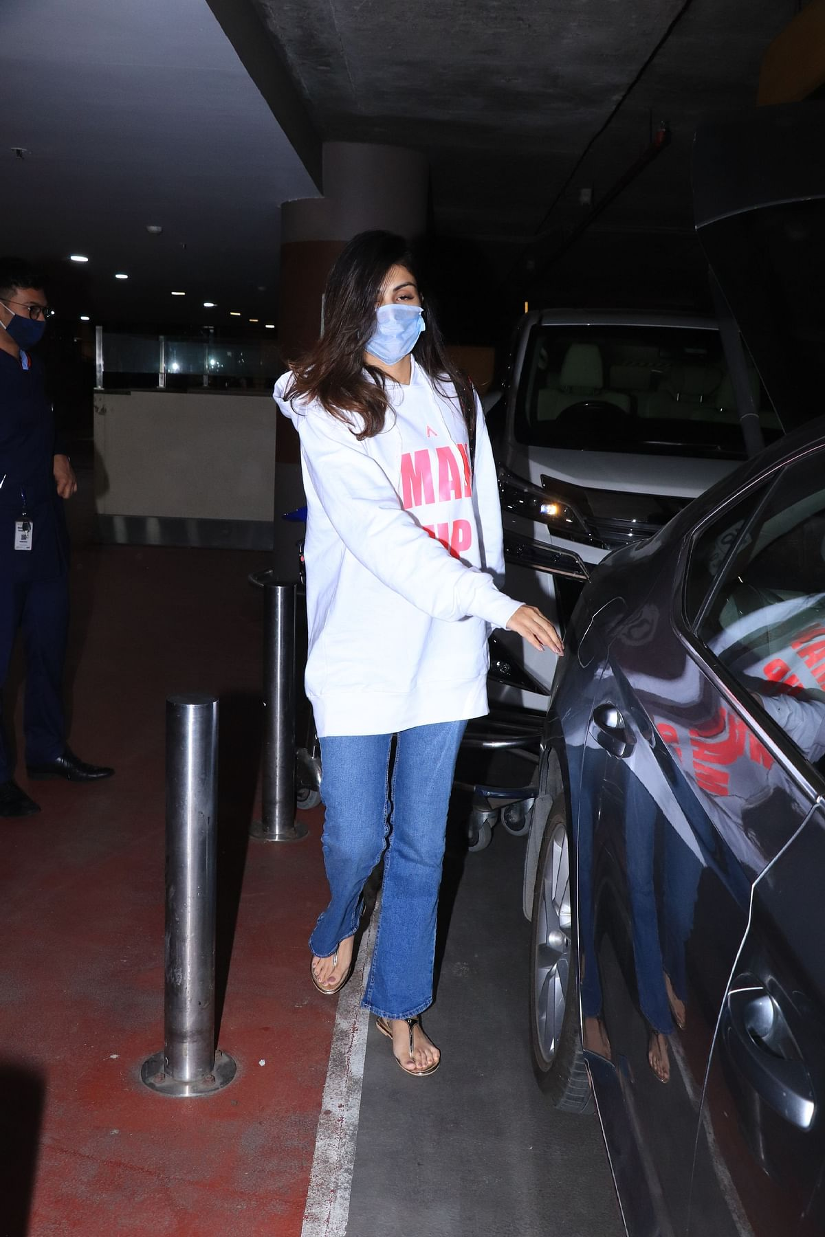 After being snubbed from 'Chehre' poster, Rhea Chakraborty sports a 'Man Up' hoodie that costs Rs 2,500