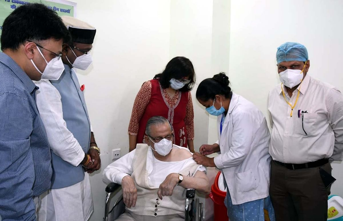 Madhya Pradesh: Phase-II vaccination held only in Indore & Jhabua on Tuesday