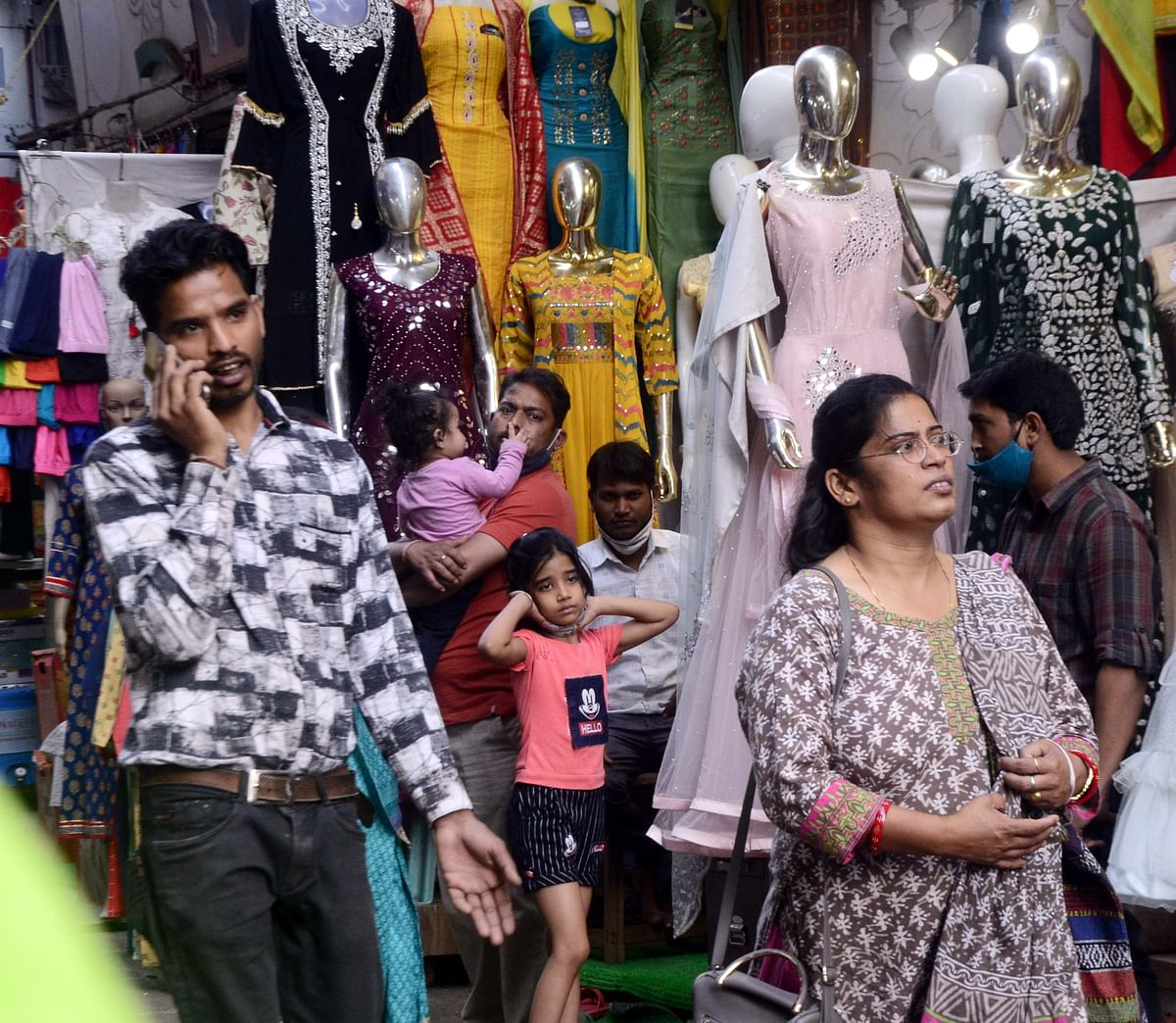 UNMASKED : A day after CM's visit, its back to square one at Peergate Bazar in Bhopal