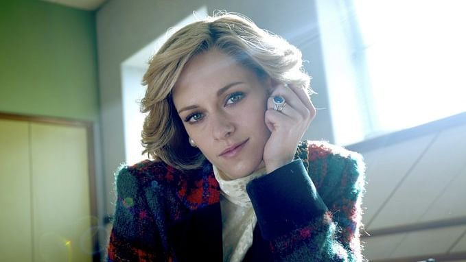Spencer: Kristen Stewart wears Princess Diana's famous sapphire and diamond engagement ring in new still