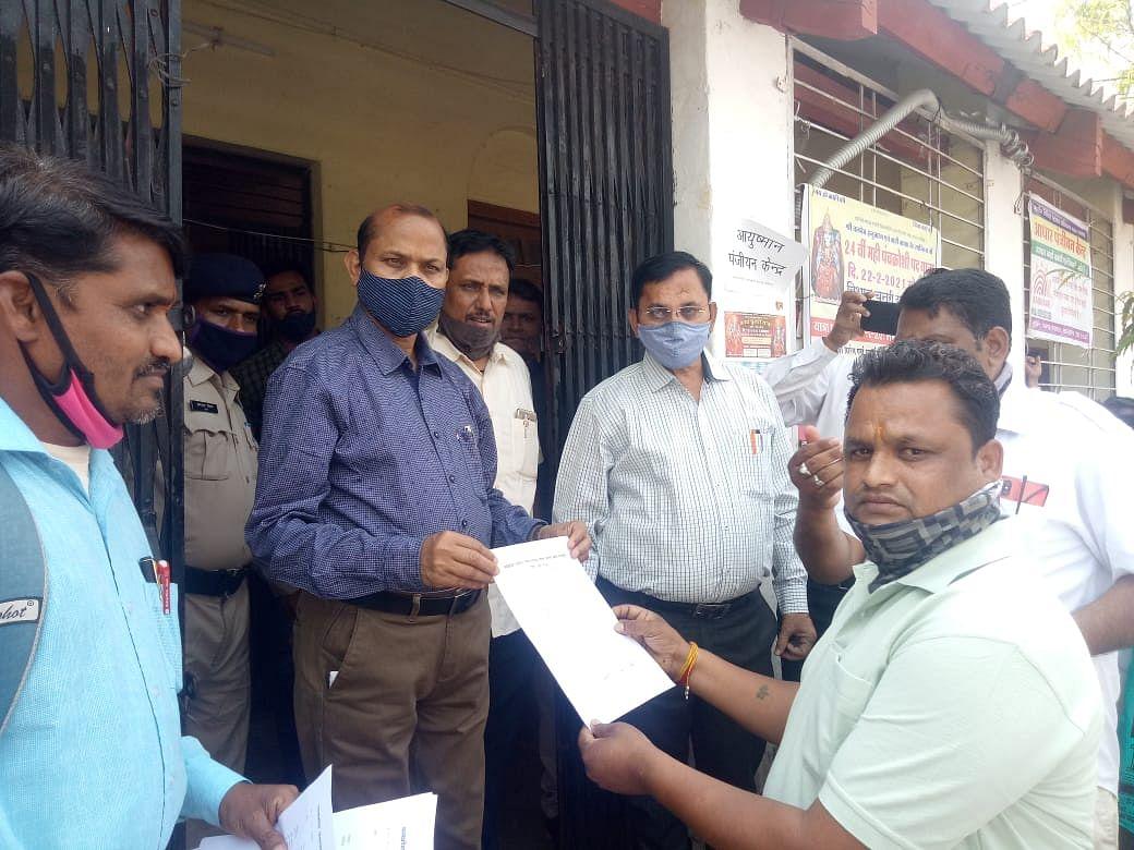 Dhar: Culprit is rural engineering department, say panchayat secretaries in defence of those booked in job scheme