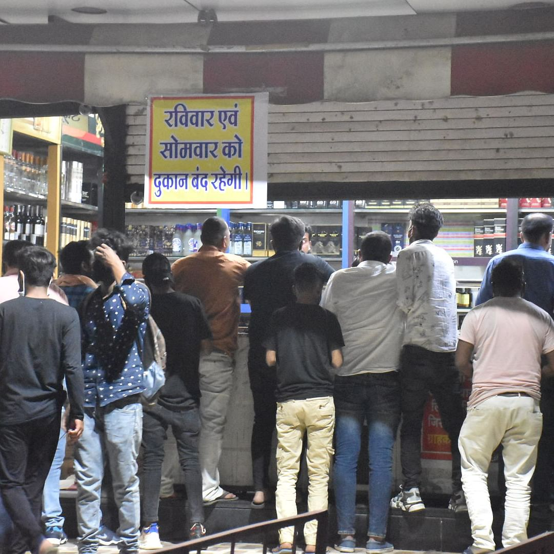 Chhattisgarh govt provides Rs 10,000 to liquor shops to maintain proper supply amid second COVID-19 wave