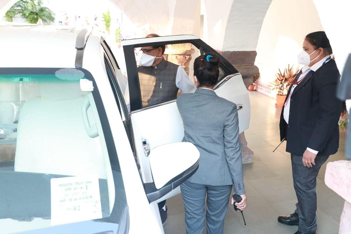 Chief minister Shivraj Singh Chouhan leaves for Nehru Nagar