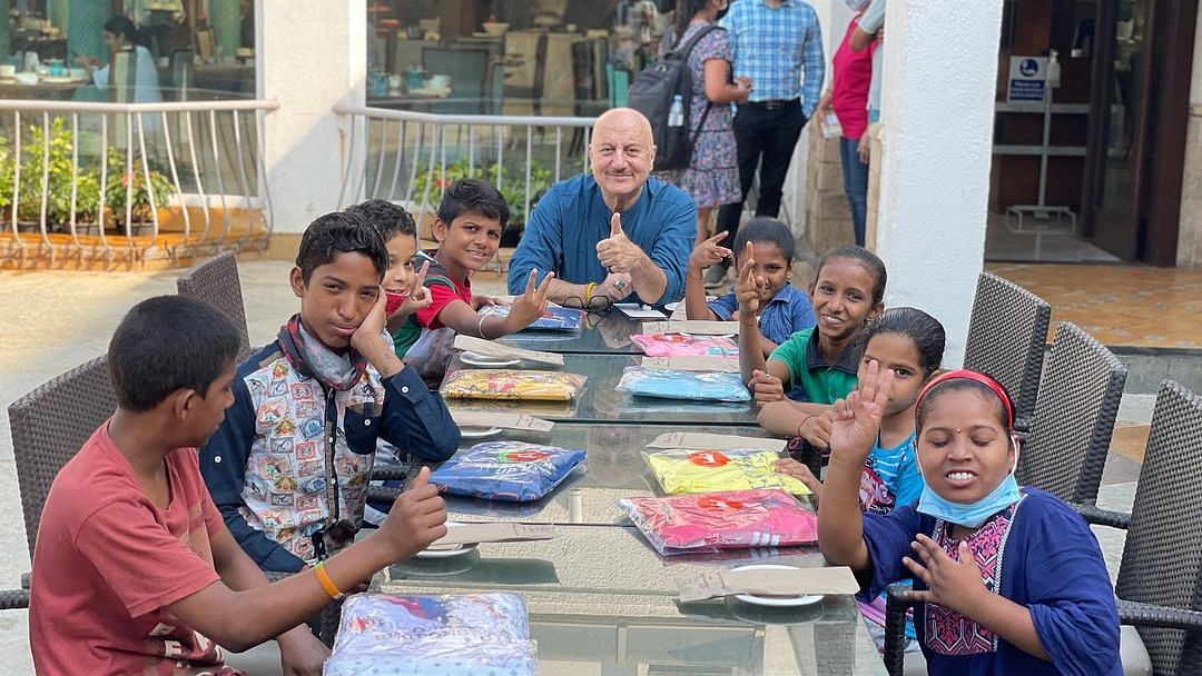 Pawri Ho Rahi Hai: Anupam Kher celebrates his 66th birthday with 'friends'; shares videos