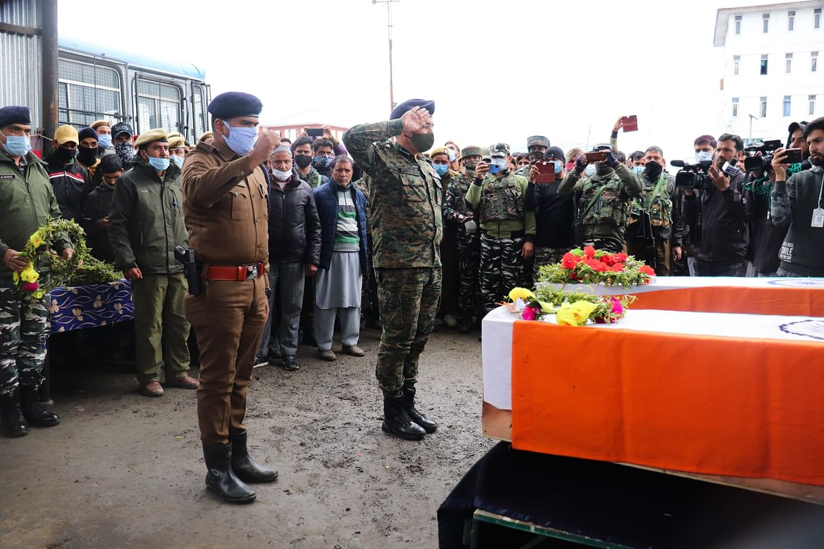 Wreath-laying ceremony of the police personnel and BDC member who lost their lives in the Sopore militants attack.