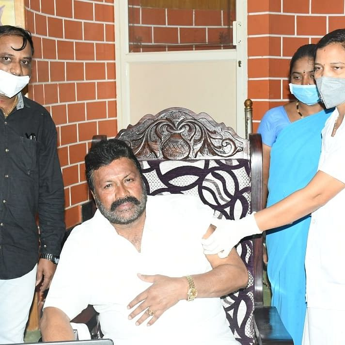 Karnataka minister takes COVID-19 vaccine at home, triggers controversy