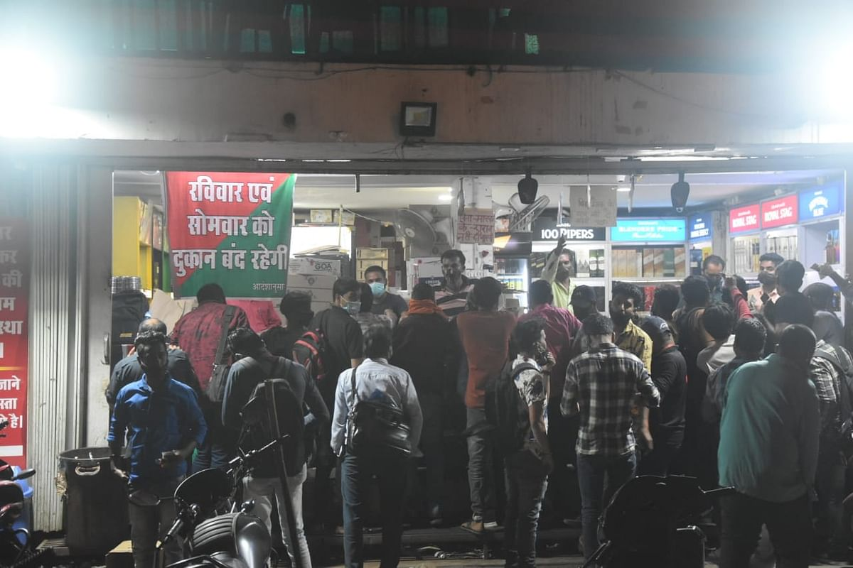No respite to cop beating; Bhopal tipplers thrash policeman
