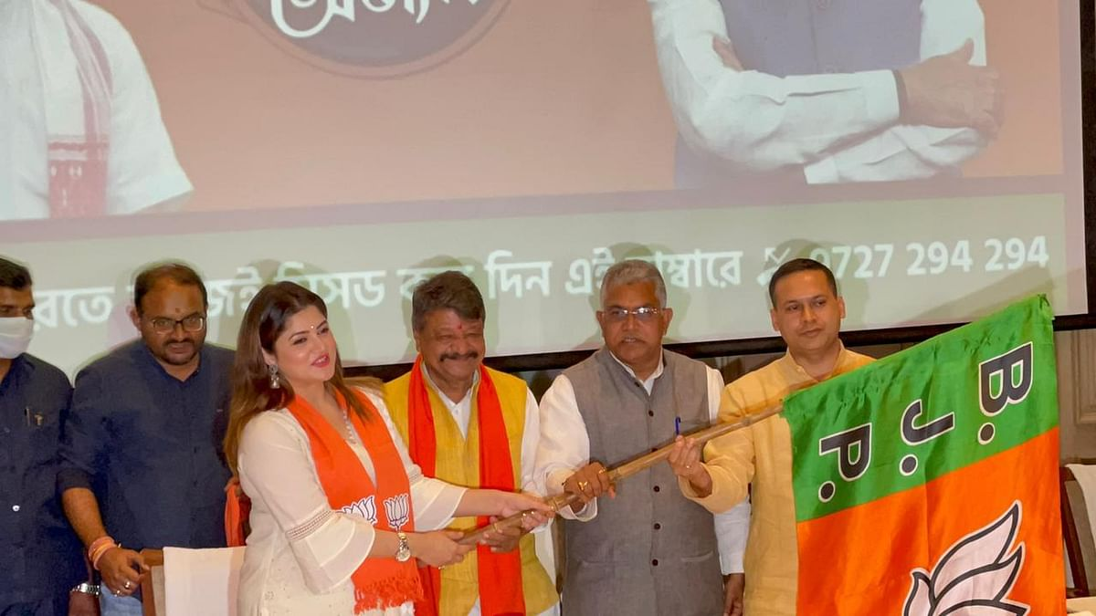 West Bengal: Bengali actor Srabanti Chatterjee joins BJP ahead of Assembly polls