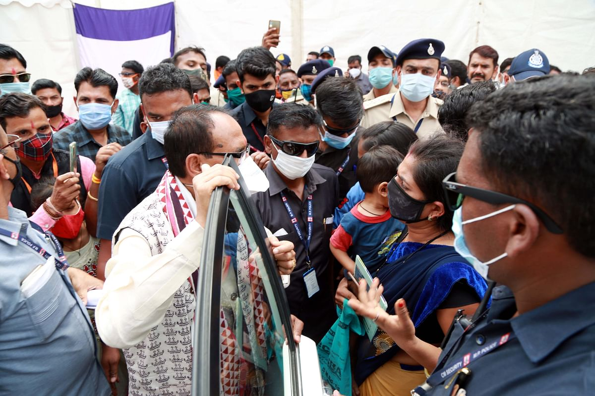 Madhya Pradesh: CM Chouhan as 'goodman', listens to woman's plea personally at the event at Dhar district headquarter