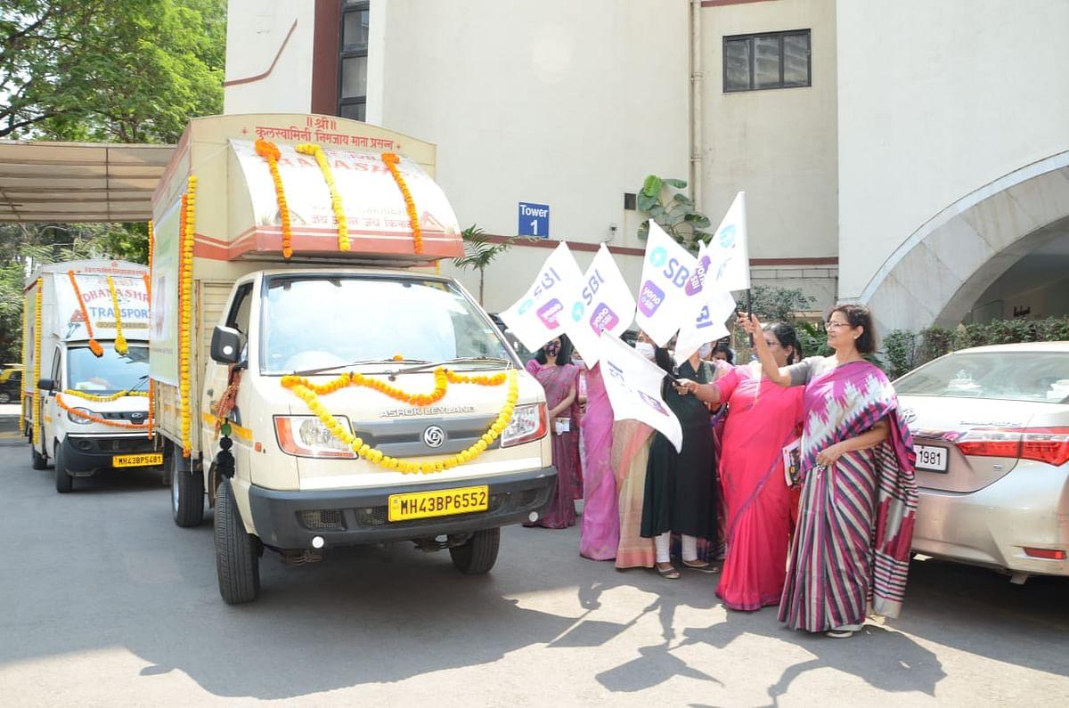 State Bank of India celebrates International Women's Day and organizes 'Annadan'