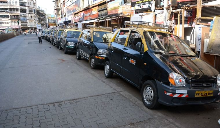 COVID-19 in Mumbai: Taxi, auto-rickshaw drivers fleeing city under fear of another lockdown