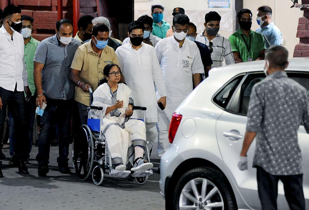 West Bengal: Wheelchair-bound Mamata Banerjee discharged from Kolkata's SSKM Hospital