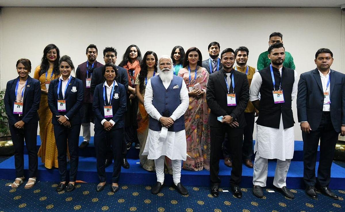 Dhaka: Prime Minister Narendra Modi meets the young achievers of Bangladesh