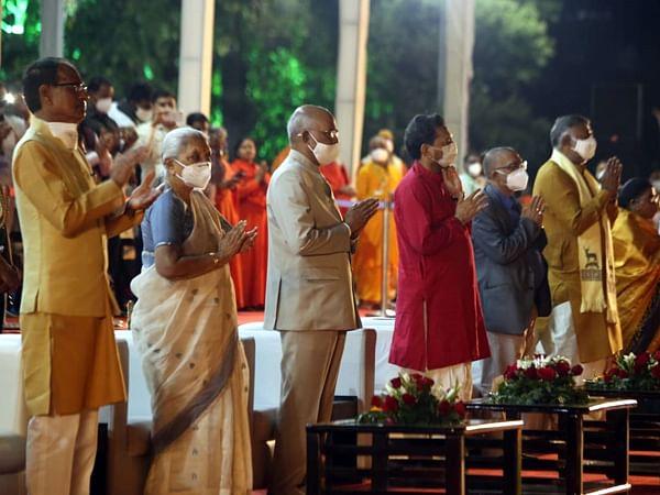 Madhya Pradesh: President lays foundation stone for renovation of Singourgarh Fort in Damoh district
