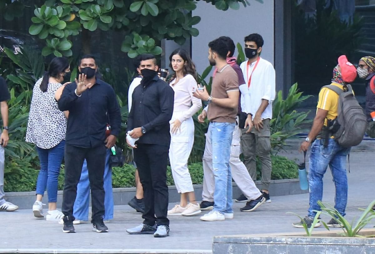 Paparazzi Files: BTS pics of Deepika Paudkone's upcoming film, Kareena Kapoor Khan's house party and more