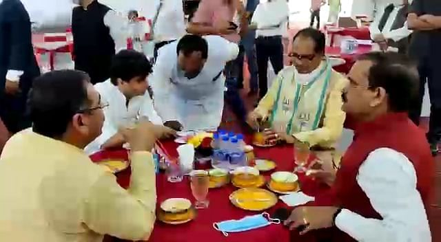 Chief Minister Shivraj Singh Chauhan, Jyotiradiya Scindia, BJP state president VD Sharma having lunch at the CM's House in Bhopal on Saturday.