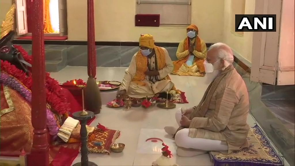 PM Modi offers prayer at centuries-old Jeshoreshwari Kali temple in Bangladesh; prays for COVID-19 free world
