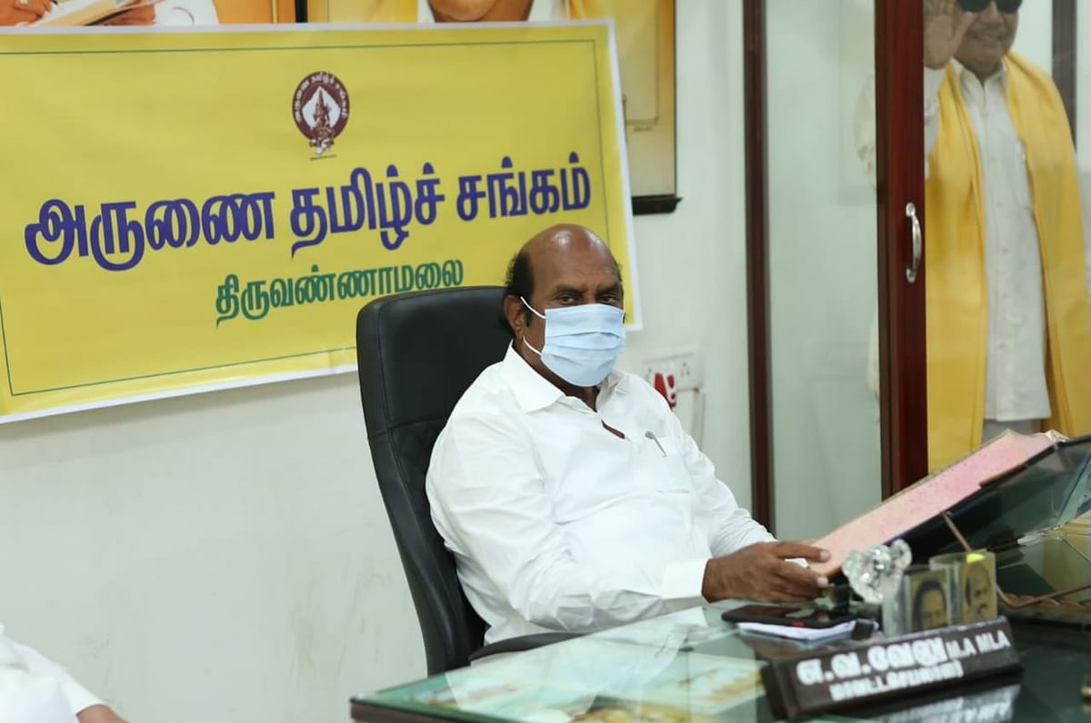 Tamil Nadu: I-T department raids on DMK leader's EV Velu premises