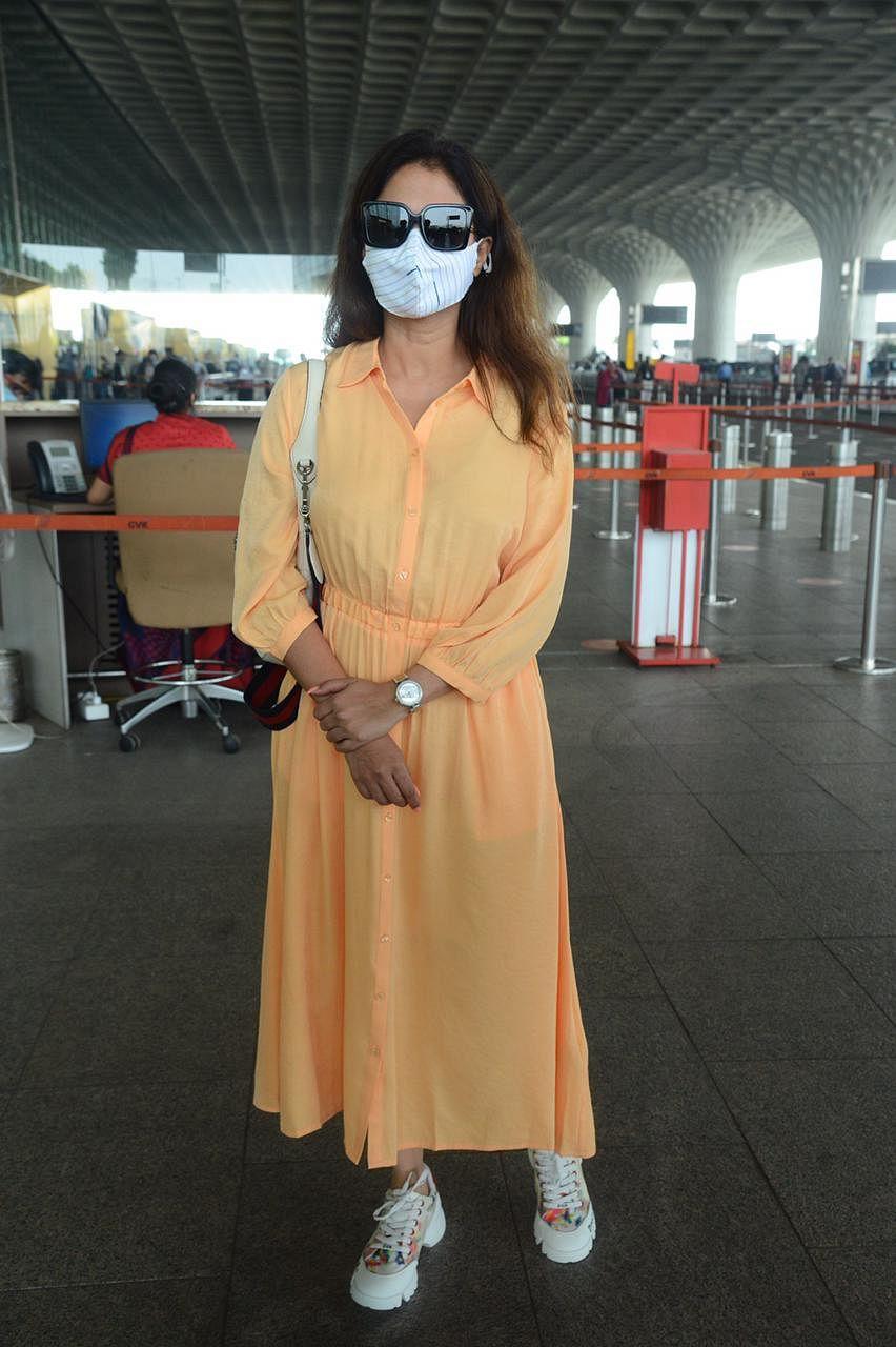 Paparazzi Files: Kangana Ranaut, Urmila Matondkar, Shraddha Kapoor and others spotted in Mumbai