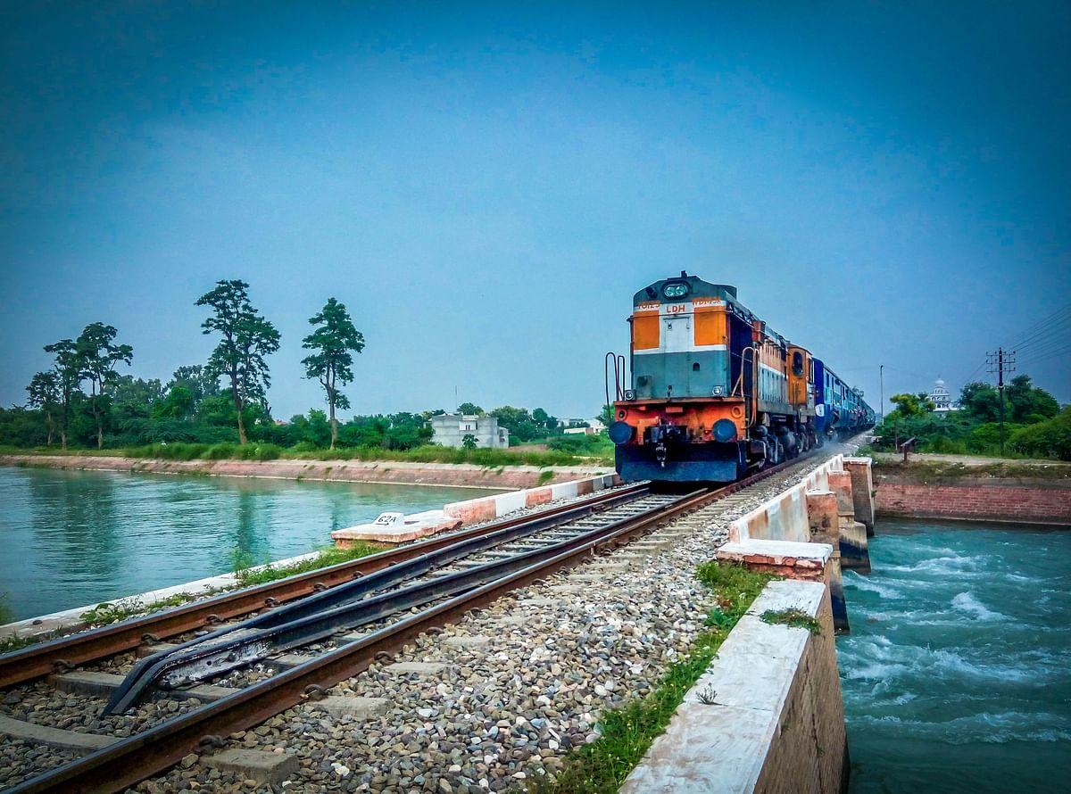 Railways surpasses last year's freight loading