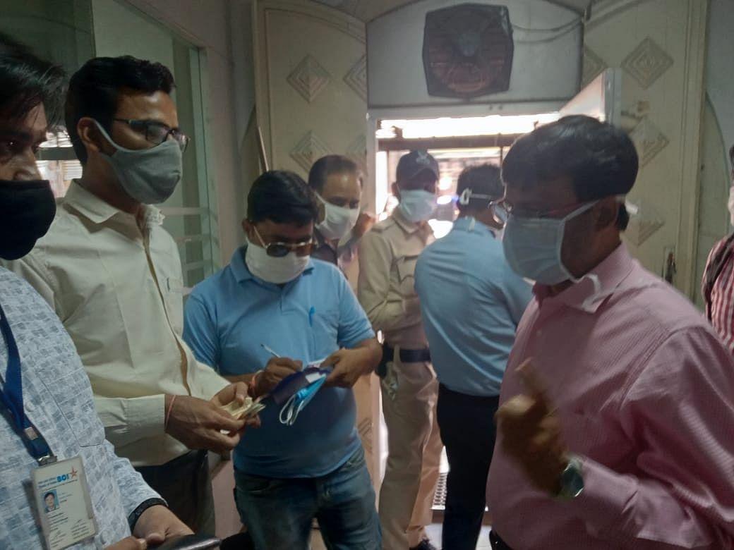 Madhya Pradesh: 37 more test corona positive in Ratlam; administration holds awareness drive