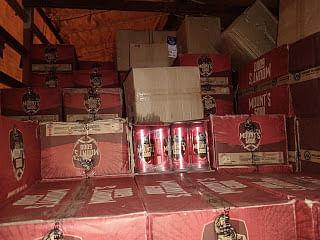 Alirajpur: Police seize illicit liquor worth Rs 15 lakh, truck driver on the run
