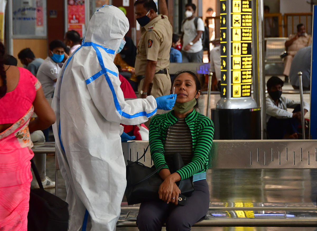COVID-19 in Mumbai: As cases speed up, passengers apply breaks on train journeys