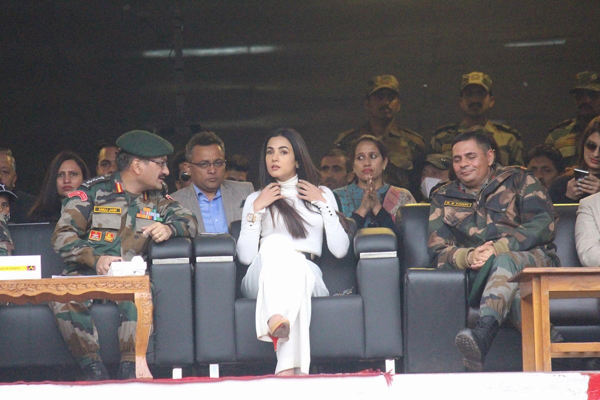 In Pics: Vicky Kaushal, Sonal Chauhan attend Umeed Ki Sehar Festival 2021 in Uri, Kashmir