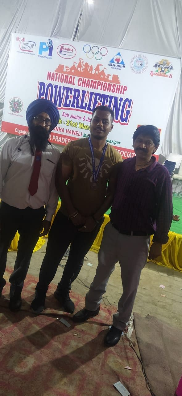 Player with organisers