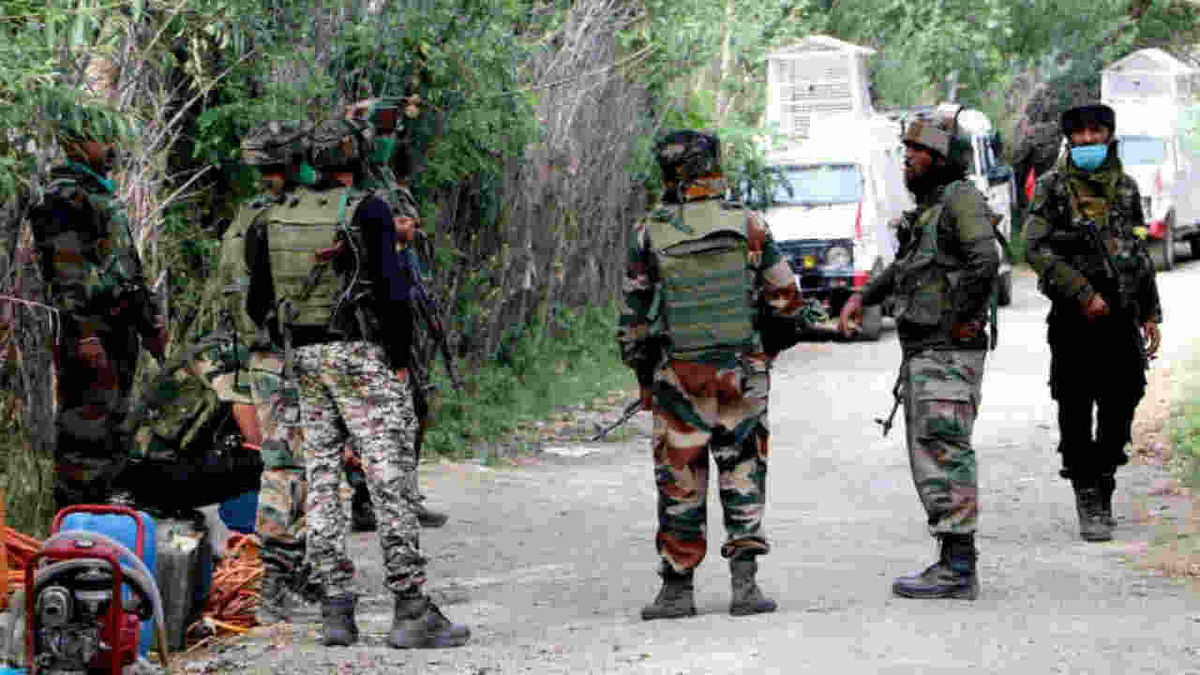Jammu and Kashmir: Seven overground workers of Hizbul Mujahideen arrested in Shopian