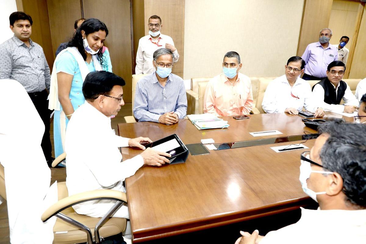 FM Jagdish Devda finalising state Budget on Monday