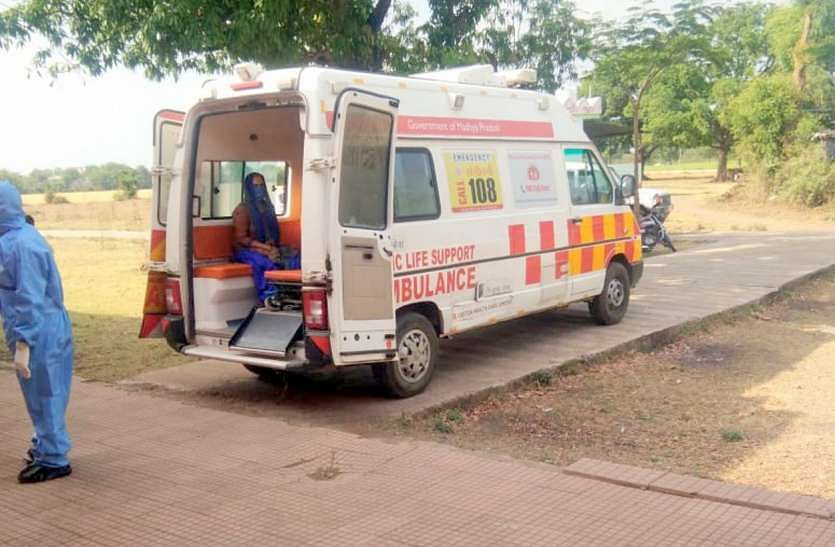Dhar: Ambulance driver attacked as he reached accident site late