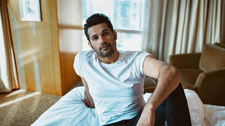 Sohum Shah makes time from shoot to meet his family in Rajasthan
