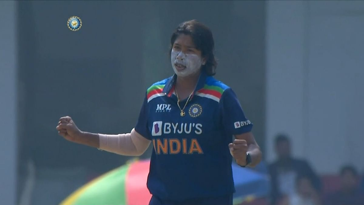 IND vs SA, 2nd ODI: Jhulan Goswami stars with ball as Indian women restrict visitors at 157