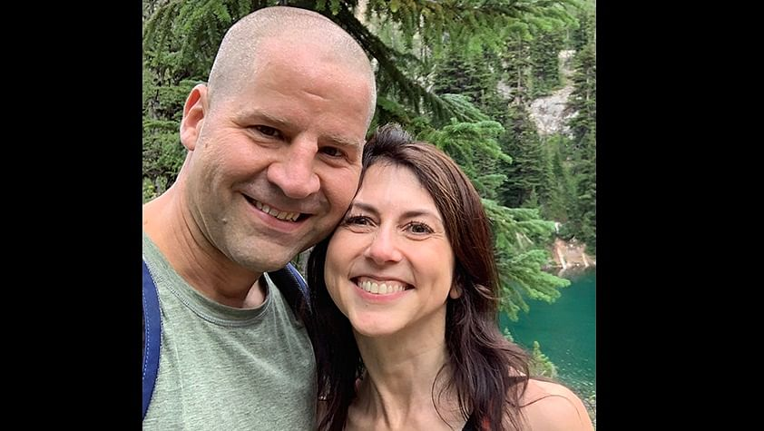 Billionaire philanthropist and Amazon boss Jeff Bezos ex-wife MacKenzie Scott marries Seattle schoolteacher